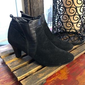 Natural Black Ankle Boot